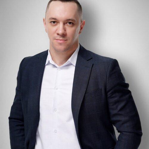 ОСТАПЧУК Роман Миколайович